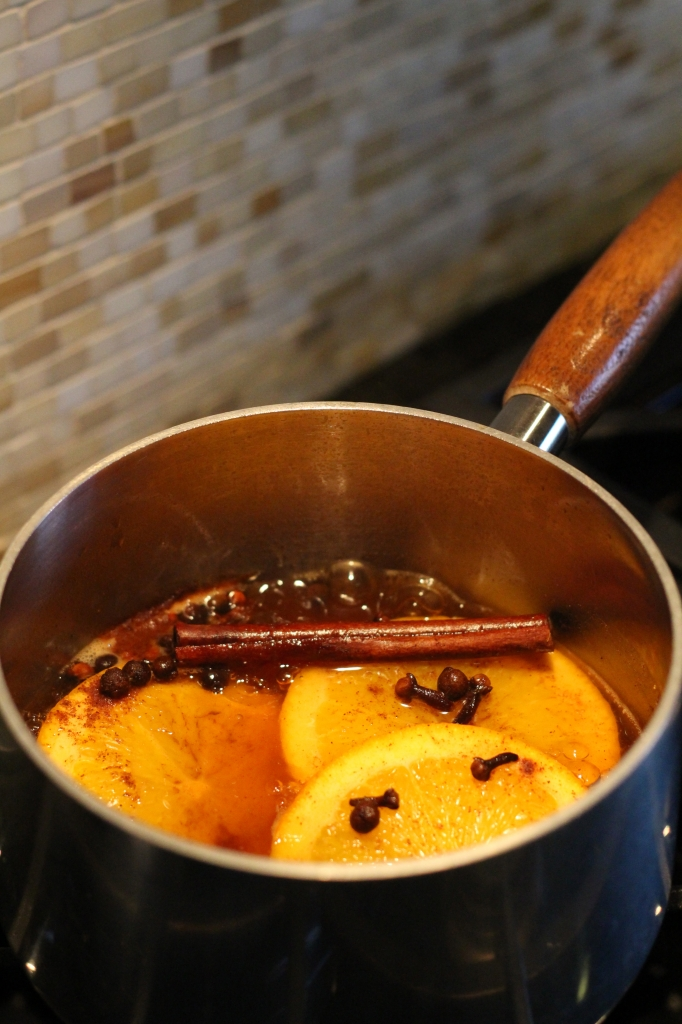 Make your home smell like fall with this simmering fall potpourri recipe