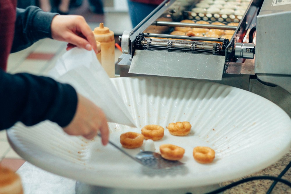 Fresh apple cider donuts from Snow-Line Orchard - Adorned With Love